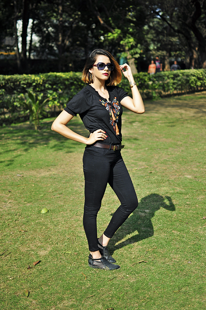 City Black | Sbuys | Akanksha Redhu | full 34th hedge arm up
