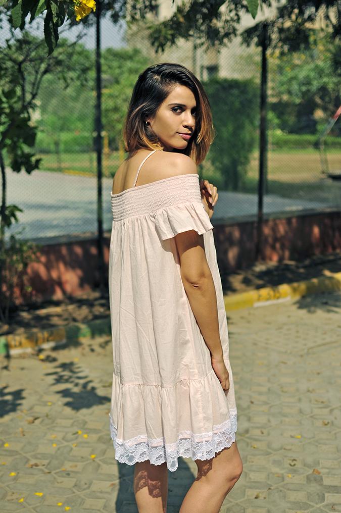 Pale Blushes | Sbuys | Akanksha Redhu | half back looking back