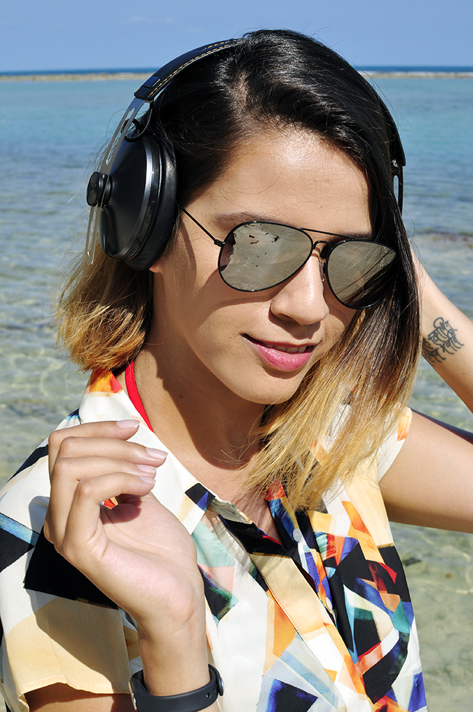Koh Samui | Akanksha Redhu | face headphones smile