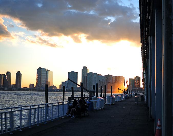 Hudson River Greenway | Akanksha Redhu | #RedhuxNYC | #eyesfornewyork | last golden sun peeping