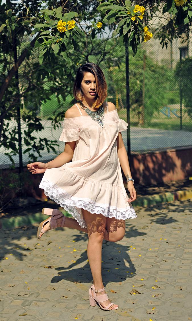 Pale Blushes | Sbuys | Akanksha Redhu | full front dress throw leg up