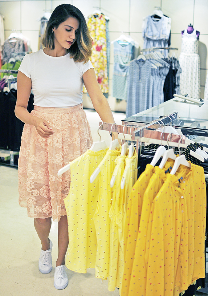 Wills Lifestyle | Akanksha Redhu | me looking at yellow tops