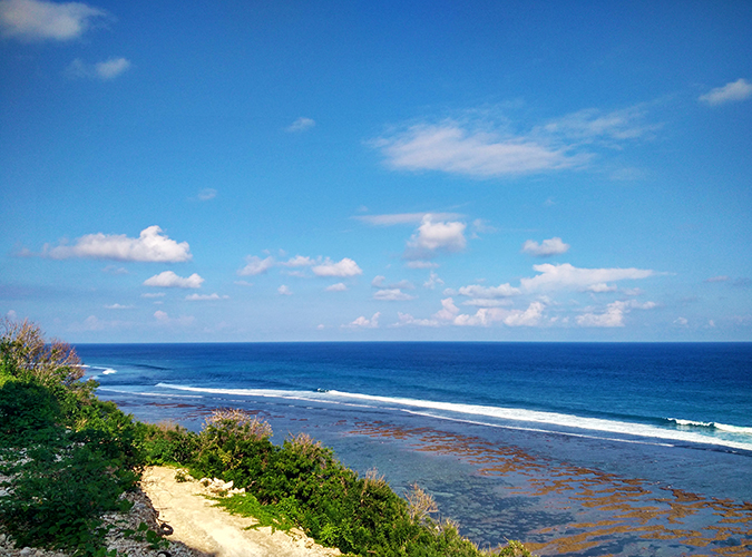 Pantai Melasti   Bali   Akanksha Redhu   wave tube phone wide