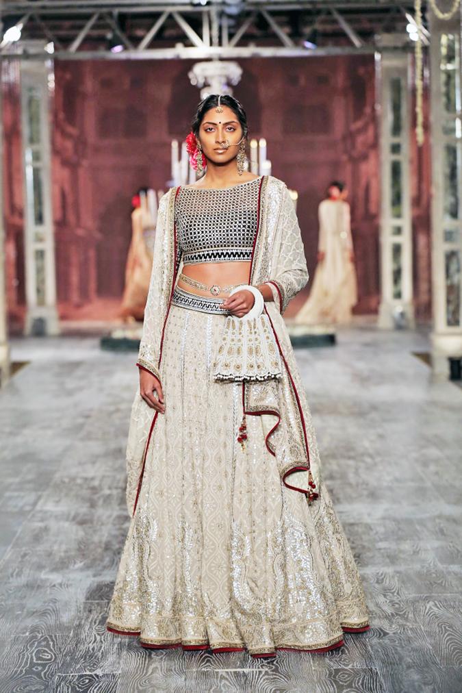 India Couture Week 2016 | Akanksha Redhu | TT1