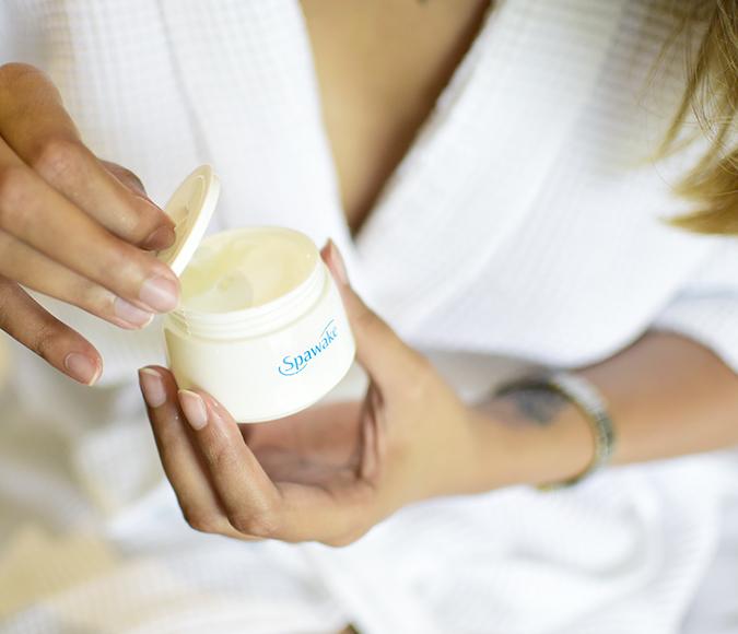 Spawake Whitening Regime   Akanksha Redhu   opening cream bottle wide