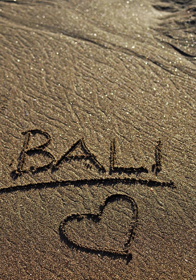 Kedungu Beach | Bali | Akanksha Redhu | sand writing