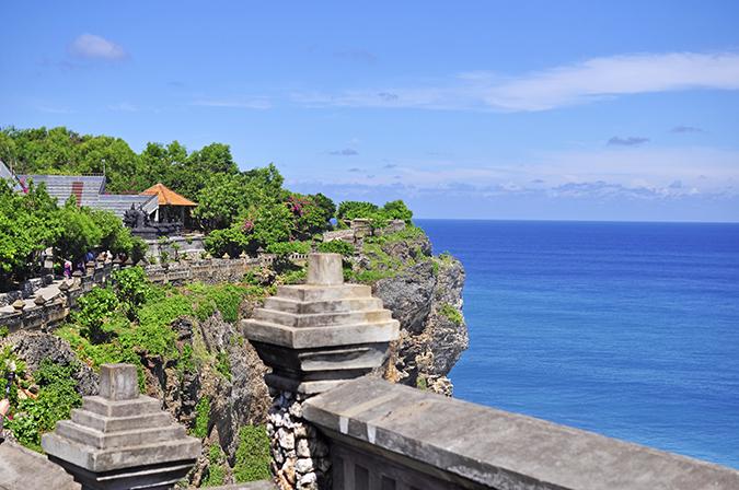 Uluwatu Temple | Bali | Akanksha Redhu | edge wide 2