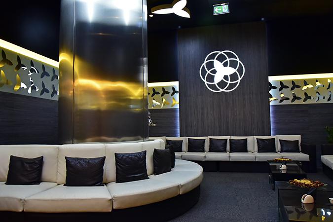 Burj Khalifa | Dubai | Akanksha Redhu | ground floor lounge