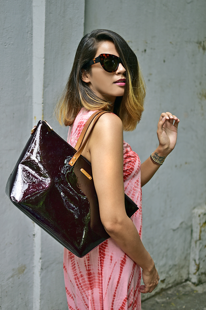 Sbuys | Akanksha Redhu | half side bag on shoulder