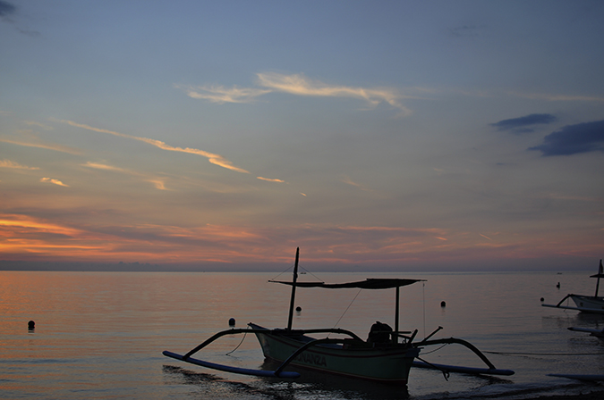 Lovina Beach | Bali | Akanksha Redhu | sole boat wide