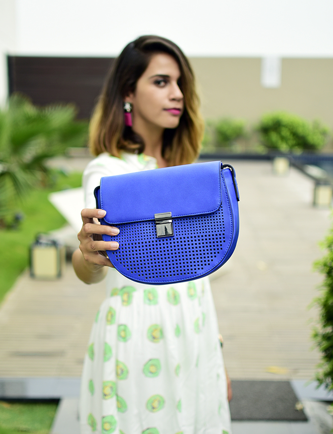 Benetton | Akanksha Redhu | half side bag focus