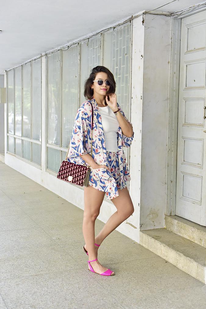 Sbuys | Akanksha Redhu | full side knee bent hand in hair