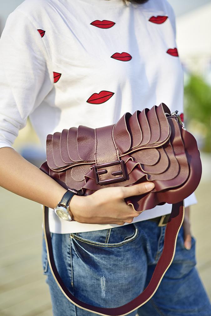 #AIFWSS17 | Akanksha Redhu | bag print jeans