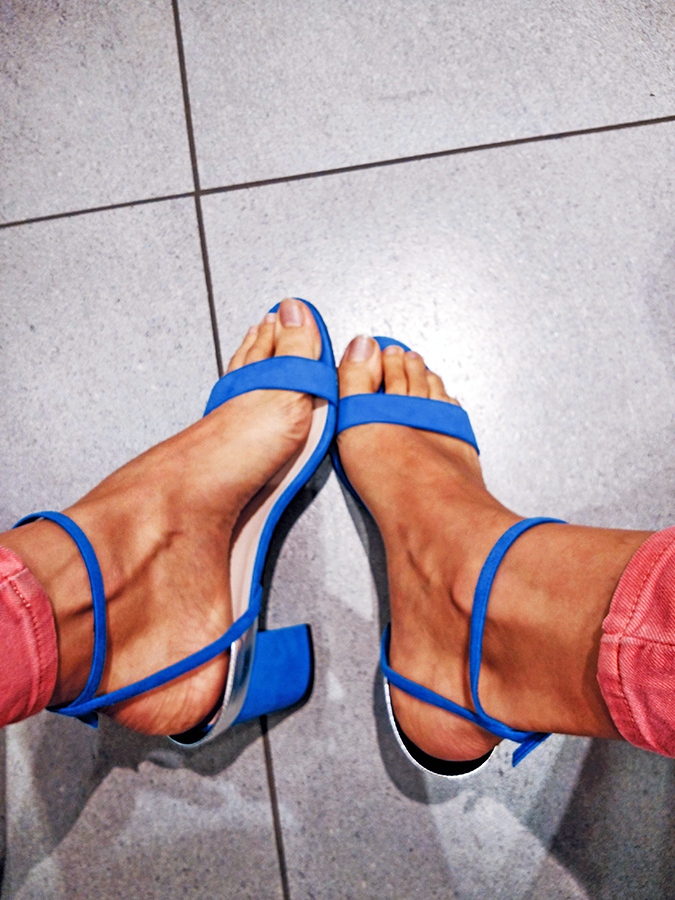 Charles & Keith | Akanksha Redhu | wearing blue heels