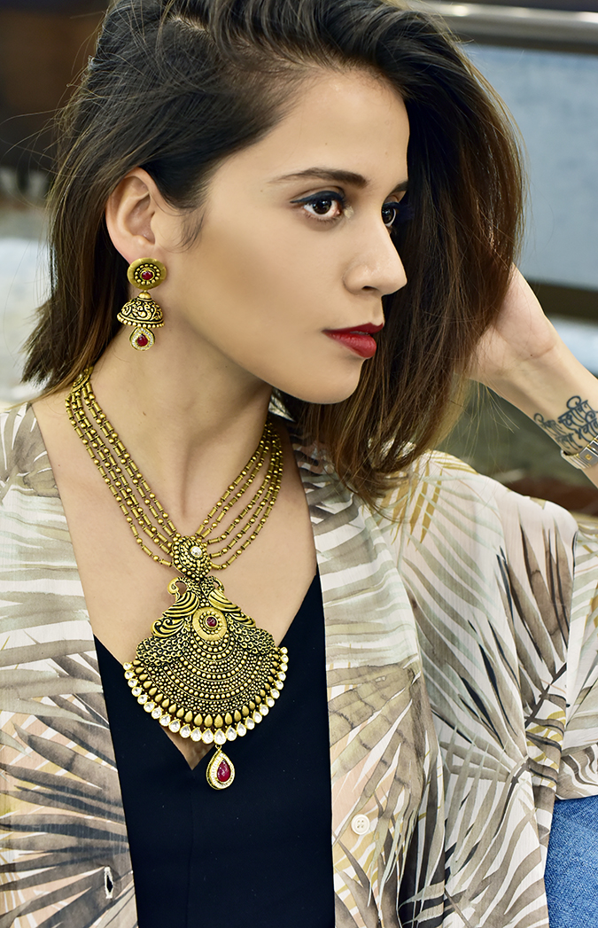 Rivaah by Tanishq | Akanksha Redhu | peacock necklace me sitting