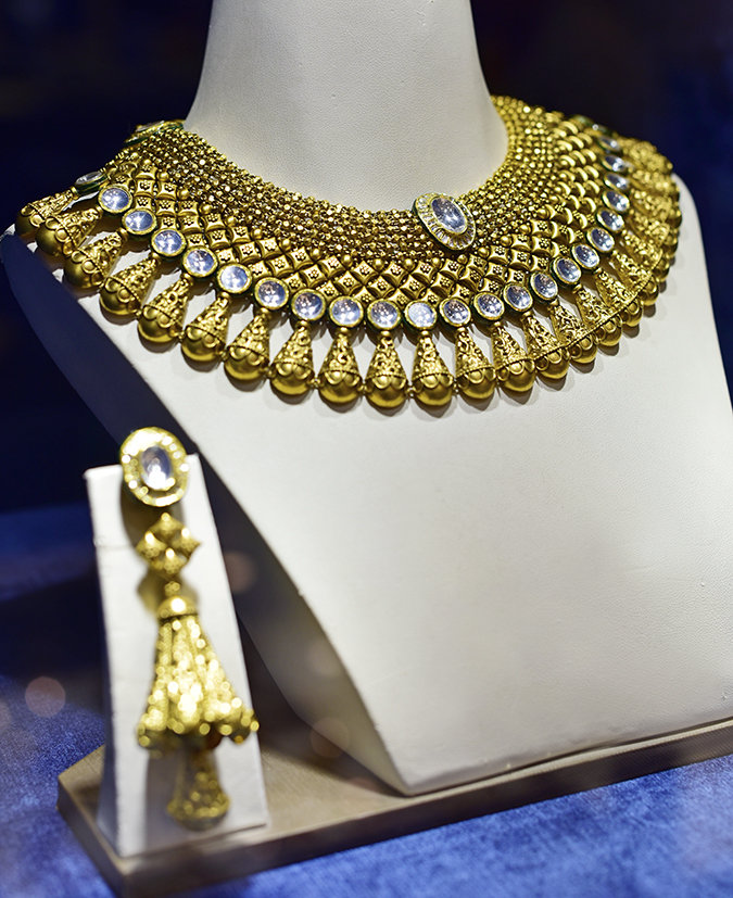 Rivaah by Tanishq | Akanksha Redhu | choker on bodice
