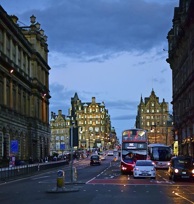 Edinburgh | Akanksha Redhu | dark street camera