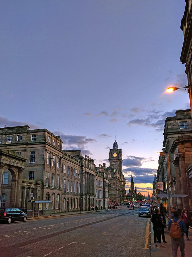 Edinburgh | Akanksha Redhu | street at sunset