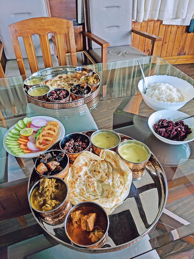 Kerala Backwaters | Vayalar | thali lunch