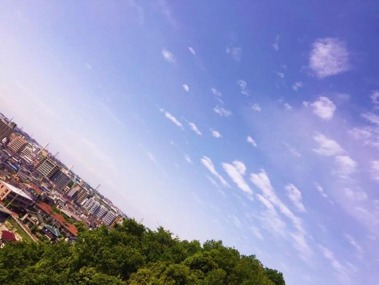 空を飛ぶ街