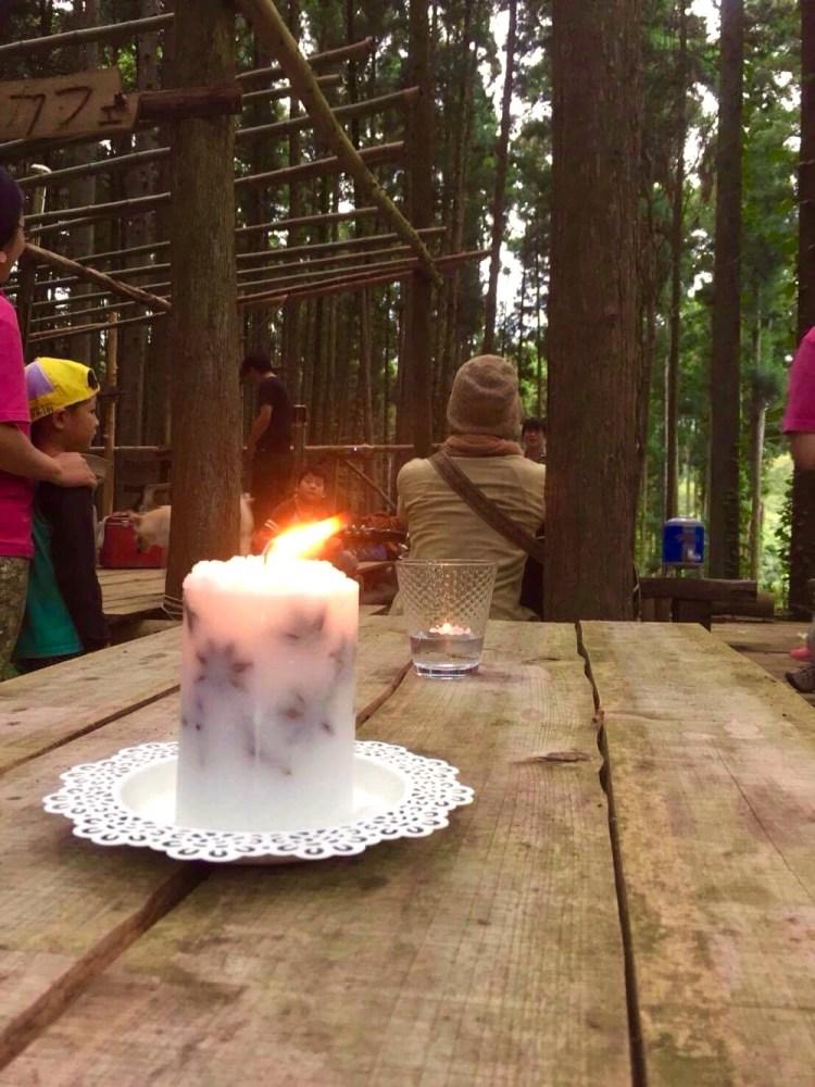 森カフェ、蝋燭の雰囲気で。