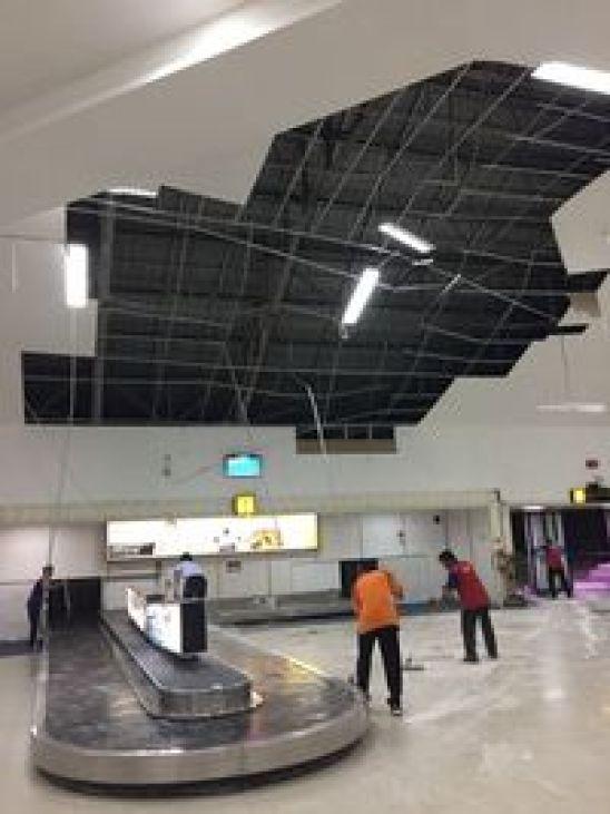 Ini Penampakan Bandara Banjarmasin Usai Diterjang Hujan Angin