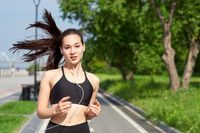 6 Tips Alami Agar Wajah Terlihat Awet Muda