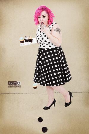 Heather Kemp - Pinup 2945 - by Ray Akey