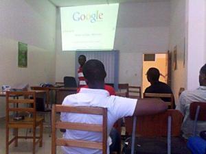 Atelier sur les Méthodes de Recherche sur Internet. Par IMAGAFRIKA Burundi @Photo Béni NKOMERWA