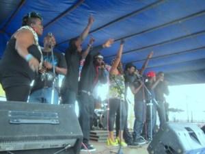 Chanteurs et rappeurs chantent Rest in Peace (www.akeza.net)