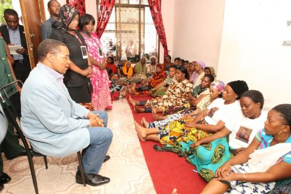 Le Président de la République Unie de Tanzanie Jakaya Mrisho Kikwete au deuil de Steven Kanumba
