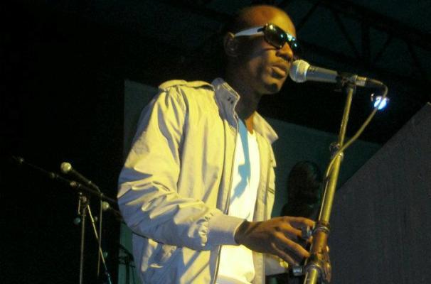 Le chanteur Emery sun (www.akeza.net)