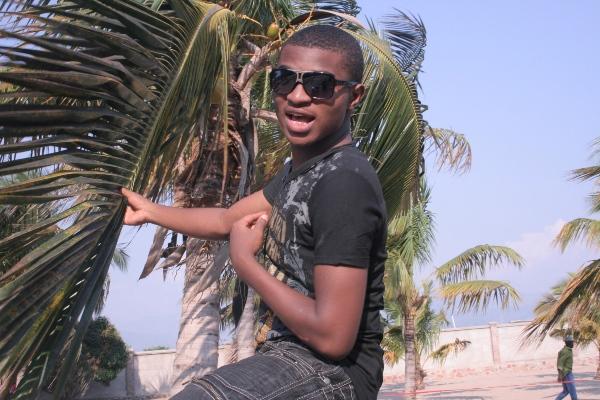Le chanteur Dogo A (www.akeza.net)