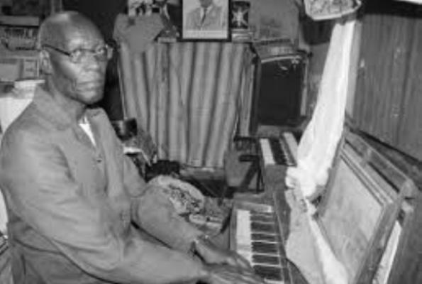 Abbé Marc Barengayabo , père de la musique de notre hymne national n'est plus (www.akeza.net)