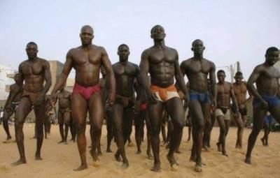 Certains des lutteurs traditionnels (www.akeza.net)
