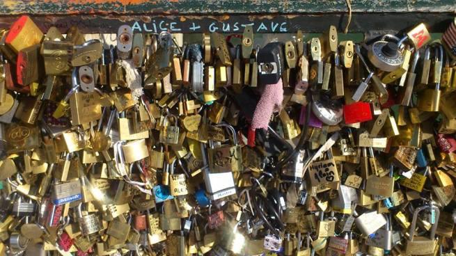 Les fameux cadenas , symbole des vœux des amoureux (www.akeza.net)