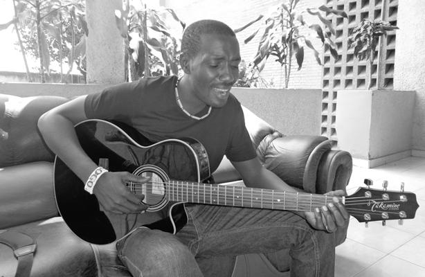 Steven Sogo lâche  certains details sur son album ''Mbali Sana'' à sortir en 2014 (www.akeza.net)