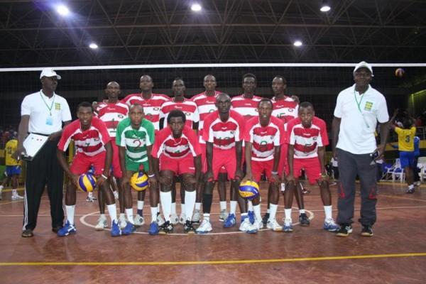 L' équipe nationale pose avant le match à Kigali.(www.akeza.net)