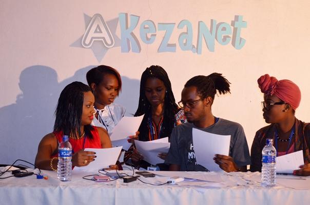 Les membres du jury en pleine délibération (www.akeza.net)