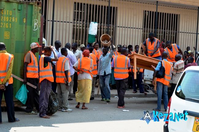 Les ouvriers sont  déjà au travail.©Akeza.net