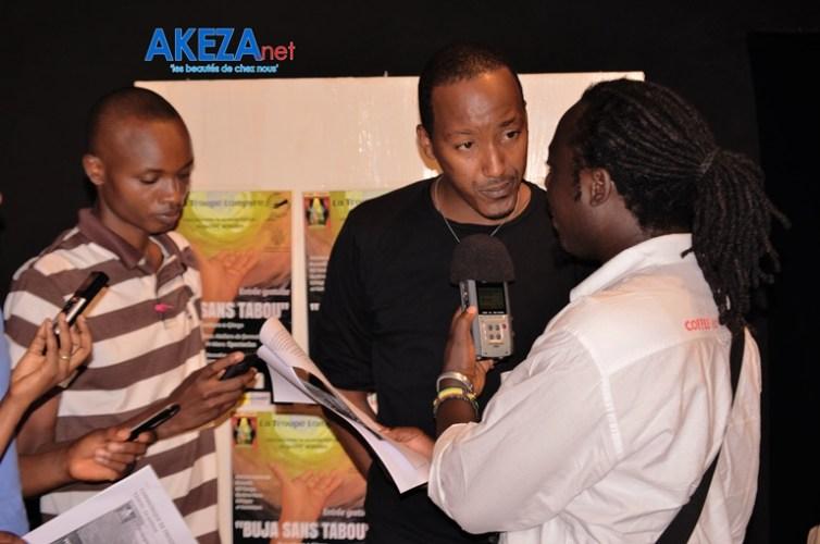 Freddy Nsabimbona répond aux questions des journalistes