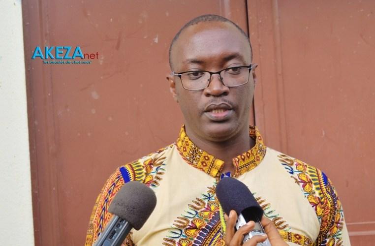 Dieudonné Nahimana , Représentant Légal de New Generation s'adressant aux media