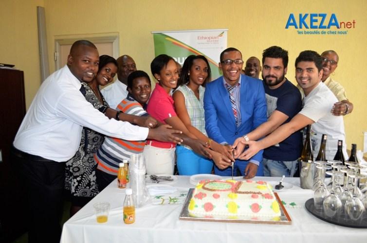 Equipe d'Ethiopian au Burundi + Représentants des agences de voyage ©Akeza.net