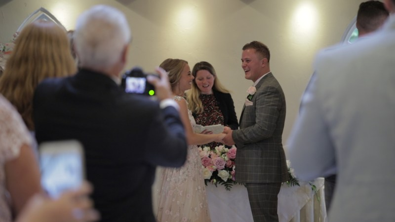 3 reasons why you should have an Unplugged Ceremony