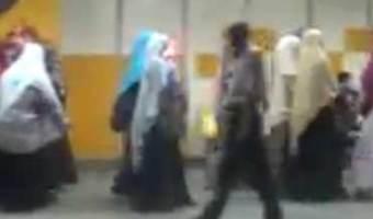 مسيرة سابقة لاعضاء الاخوان داخل مترو الانفاق