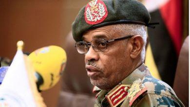 """Photo of من هو الفريق عوض بن عوف رئيس """"المجلس العسكري الانتقالي"""" في السودان؟"""