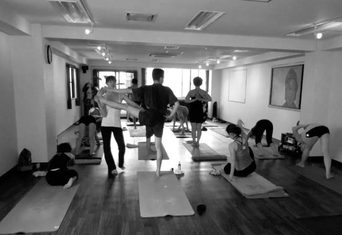 Akiko_Tsugawa_ashtanga-yoga_teaching_004