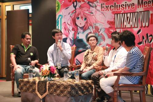 special-event-gakusen-toshi-asterisk-author-interview-04