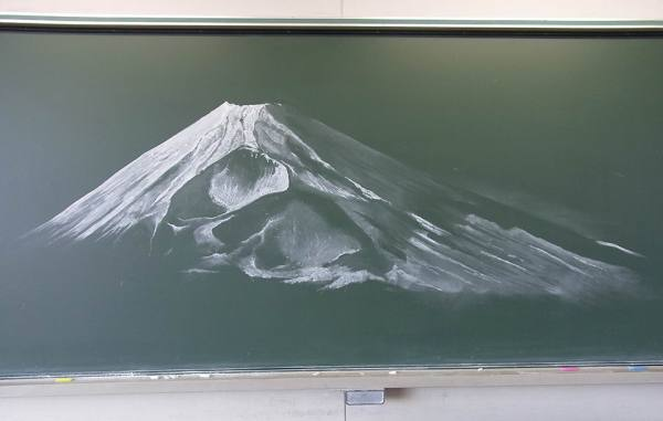 blackboard-art-contest-that-will-take-your-breath-away-07