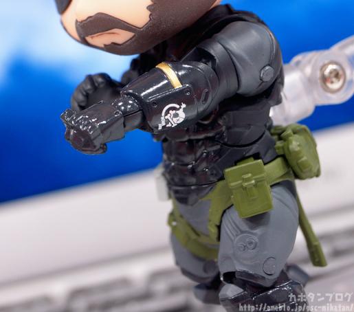 nendoroid-venom-snake-sneaking-suit-ver-05